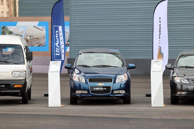Узбекистан планирует наладить сборку автомобилей в Туркменистане